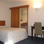Carlton Hill Motel