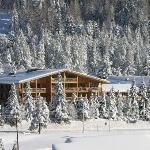 Esterno dell'hotel in inverno