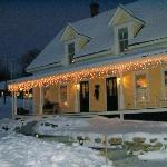 Twin Doors B&B - 3 miles to Mt Sunapee