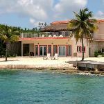 Luxury Villa ON the Beach - Villa Debra