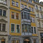 Das Bach-Museum (gelbes Gebäude)
