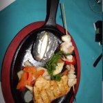 mon assiette au Resto a la carte Guarana poulet et crevettes