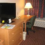 Dec 2011 -rooms now have flat screen TVs