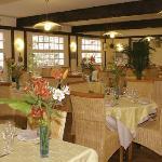 salle de restaurant de l'hotel de bretagne