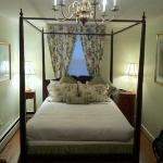 A cozy bedroom in the Farragut House, one of the Inns of Newport.