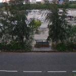 """Vista """"panoramica"""" dalla terrazza verso la strada"""