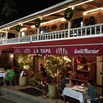 La Tapa at night
