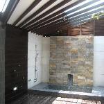 my fave... open air shower n bathtub