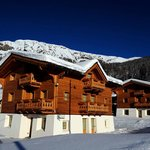Les Fleurs Bleues Exquisite luxury homes in the heart of the Alps