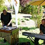 Herb Gibson and friends performed relaxing jazz music