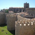 la muralla y la catedral