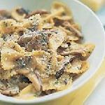 FUNGHI:Wine sauce with cream, mushrooms, fresh mushrooms and Italian herbs.