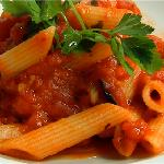 ARRABIATA :Dried tomatoes, fried onion, chili oil and fresh basil.