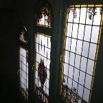 Detalles de los vitrales de las escaleras