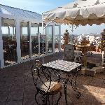 Windgeschützter Pavillon auf der Terrasse