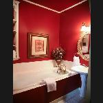 Beautiful Red Bath in Tuscan Suite