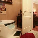 Suite Savannah's Whirlpool Tub for Two