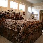 Suite Elizabeth's Main King Bedroom