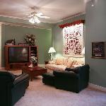 Suite Elizabeth's Den with Big Screen TV