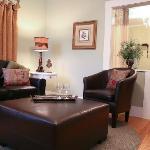 Front Porch Suite's Den