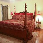Ella's Haus King Bedroom #1