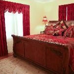 Ella's Haus King Bedroom #2