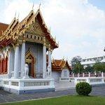Wat Benchamabophit - facciata principale