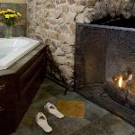 Sycamore Suite - Fireplace in Inglenook with 2 Person Jacuzzi Tub
