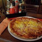 Aussie pizza in Aussie XL