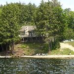 Grand Muskokan million dollar dream home rental available as a 5 or 7 bdrm