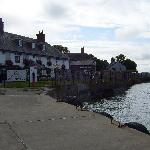 Edgcumbe Arms from the ferry2