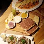 Ceviche, crudos y carpaccio de salmón