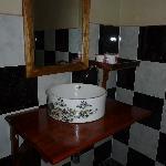 Salle de bain trés propre et eau chaude
