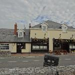 Daly's Pub and Inn