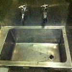 dirty big steel sinks