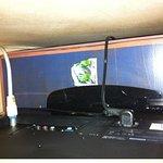 préservatif derrière la télé !