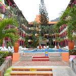 los cocos 1 pool area