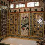 Bath tub wall
