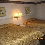 2 double bed beautiful room