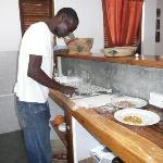 il cuoco ai fornelli