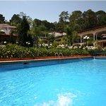 Vista Alberca y Hotel