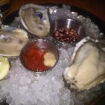 oysters at Hank's