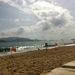 strand in nha trang, über die hauptstrasse vom hotel phu quy2