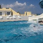 Karawan Beach & Resort Foto