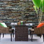 Photo de Dhevatara Beach Hotel