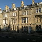 16 Bathwick Street
