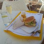 Nice wee glass of Cava and burger, nice chips  !