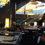 Restaurante Submarino - al fondo vereis la piscina de peces