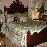 Ramsay Suite/queen bed, single bed