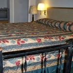 PAPenns Woods Inn Manheim Bed